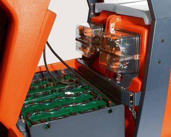 fregadora-conductor-acompañante-310-14