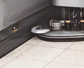 fregadora-conductor-acompañante-b45-7