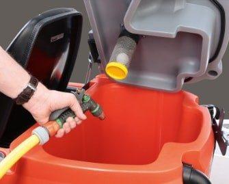 fregadora-conductor-acompañante-b75-3